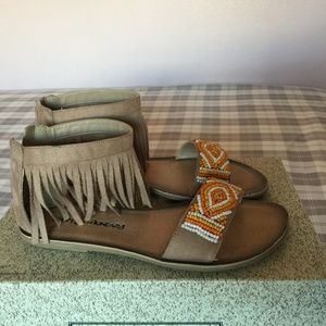 Dirty Laundry Faux Suede Fringe Beaded Sandals (6)